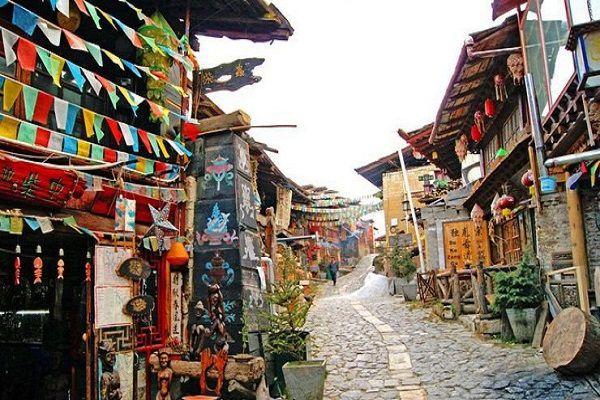 Khu thành cổ Dukezong đã 1300 năm tuổi