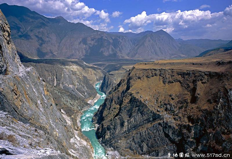Hổ khiêu hiệp - Ngọn núi hiểm trở nhất Thế giới