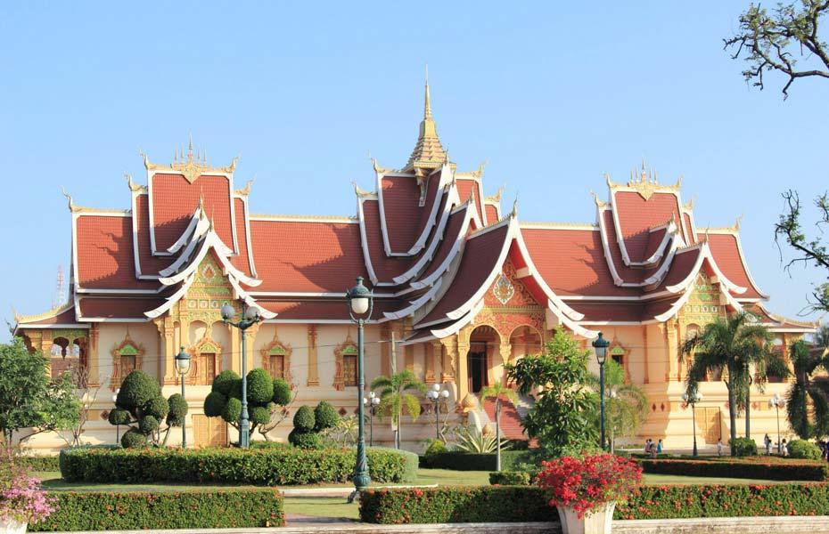 Những ngôi nhà ở Lào có mái rất đẹp