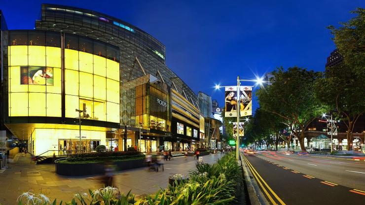 Đây là con đường với nhiều cửa hàng bạn có thể mua sắm thỏa thích