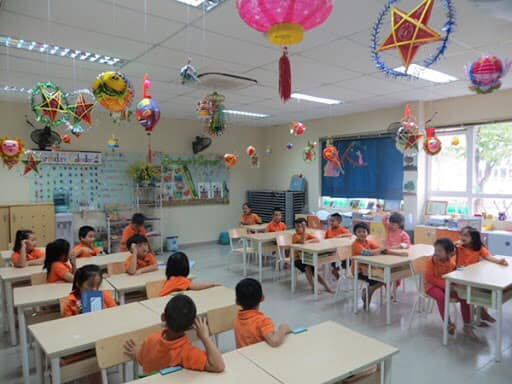Không gian lớp học được trang trí theo chủ đề Trung thu